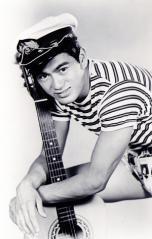 Sonny Chiba, sailor outfit